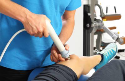 Dolori e infiammazioni si curano con la fisioterapia strumentale